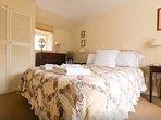 Cosy double bedroom