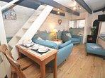 Open-plan lounge/kitchen/dining area