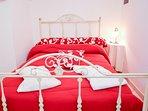 Trullo Standard (camera matrimoniale con letto alla francese)
