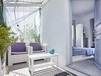 GREEK GODDESS BLUEBERRY ROOM - PRIVATE VERANDA
