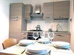 Cucina abitabile con tavolino 4/6 persone (Foto 2)