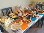 Buffet Colazione dolce e salato. Prodotti tipici e artigianali