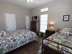 Queen / Twin Bedroom on Ground Floor