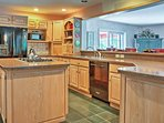 The chef of your group will love preparing meals in the fully equipped kitchen.
