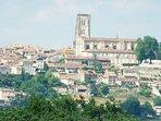 ville de Lectoure (Station Thermal)  à 3 Km du Domaine des Cadets de Gascogne, Gers