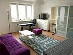 Main room with 2 beds (sleep: 3 people)
