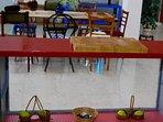 Salón Comedor, con barra de cocina americana