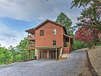 Enjoy the beauty and serenity of Tennessee at this Seviereville vacation rental home!