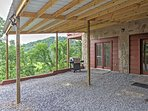 Come see the magnificent beauty of Tennessee in this spectacular Sevierville vacation rental cabin!
