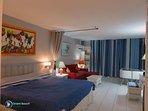 2-Orientbeachstudio-Studio overview with main bed