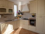 Attractive and fully fitted kitchen