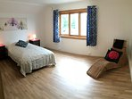 Large bedroom - twin or double bed + extra  single bed available