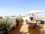 Top-floor apartment with 2 bedrooms and 2 terraces.