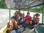 viaje con Amigos en bote rio Alto Madre de Dios, Salvacion-Manu
