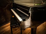 Baby Grand Piano with Autoplay.