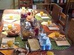 Exemple de petit-déjeuner servi à notre table