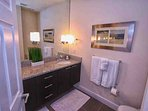 King En-Suite Bath w/Double Sinks & Walk In Shower