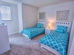 Upstairs Twin Bedroom w/Flat Screen TV & Window Seat