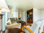 Living room, flat screen tv, sofa sleeper