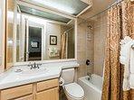 1.5 Bath unit with shower tub