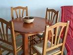 mesa extensible madera comedor y sillas
