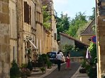 Wander around the streets of Beaumont du Perigord