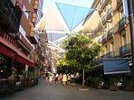 La calle de Preciados con todo su colorido.