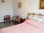 spazio in camera da letto dove e' possibile inserire lettino aggiunto a richiesta