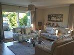 Modern leather sofas, 55' Smart 3D TV Bluray, sonos sound bar Free WiFi