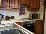 Microwave, oven, kettle, toaster, hob, slow cooker, rice cooker, actifryer, blender, whisk  included
