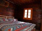 Chambre à coucher 1 - Chalet Nid d'Aigle, un mayen authentique en Valais