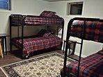 Room w bunk beds