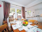 Holiday cottage Anglesey sleeping 6 - dining room