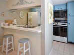 Kitchen Pass-thru with 2 Bar Stools