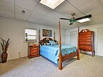 You'll sleep well in the inviting master bedroom.