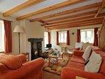 Holiday cottage Snowdonia sleeps 4 - lounge