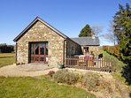 Llangrannog cosy holiday cottage with garden - pets welcome