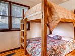 Upstairs Bunk Room 2 Full size beds