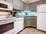 Kitchen w/ upgraded appliances