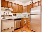Kitchen w/ upgraded appliances
