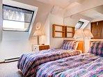 Shelf,Bed,Bedroom,Furniture,Indoors