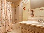 Bathroom,Indoors,Sink,Room,Flower