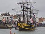 jour de fête sur les quais lors du départ du Vendée Globe