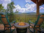 "Brand New 1 Bedroom Cabin with Jacuzzi, 4 Fireplaces and 55"" 3D TV w/Blu Ray"