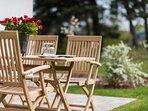 Essen und entspannen auf der Terrasse