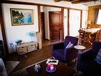 La Tulipe is een knus huis met houtkachel, een speelzolder en halfopen keuken.