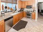 Fully equipped kitchen with blender, coffee maker, 4-slice toaster and Gulf views