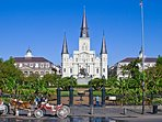 Jackson Square & French Quarter just a trolley ride from the house.