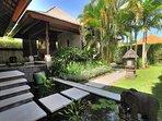 Villa Bulan Madu - Entrance