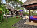 Villa Bulan Madu - Garden